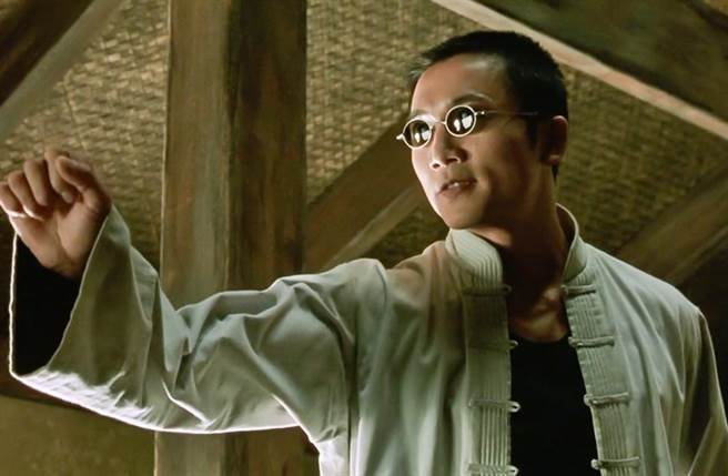 鄒兆龍在《駭客任務》系列電影中演出要角賽洛芙。(圖/達志提供)