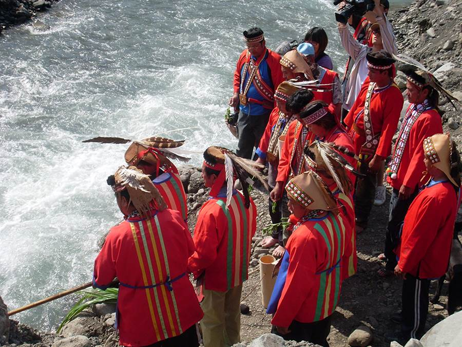 米貢祭是卡那卡那富族慶祝小米豐收的祭典,另外也有祈求漁獵豐收、平安的河祭。(照片提供/高雄市政府原住民事務委員會)