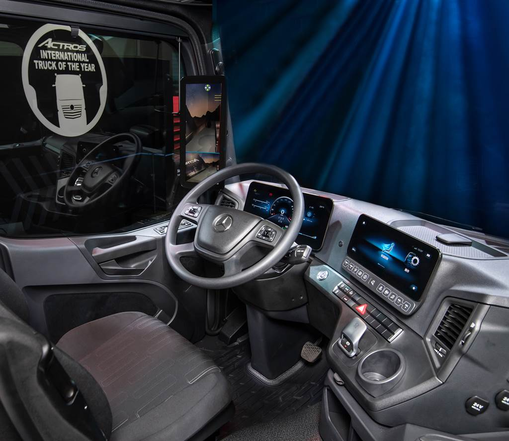 Mercedes-Benz The new Actros 智在運行 年度國際重車大獎五連霸 實力證明
