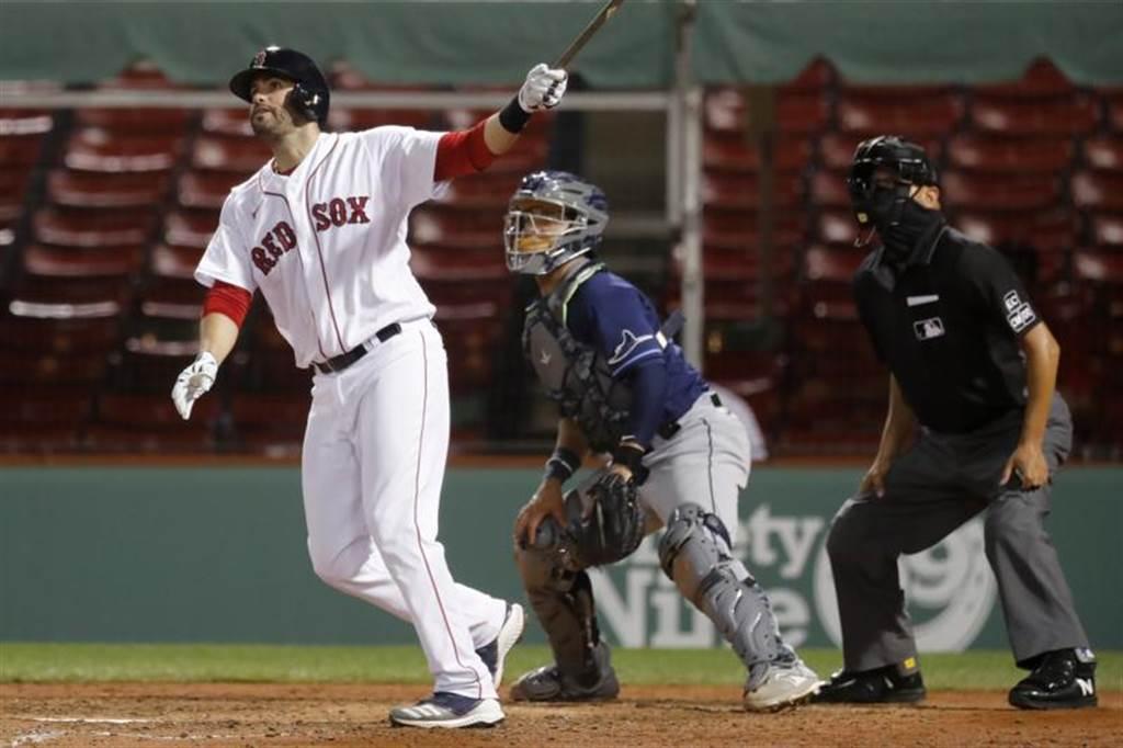 紅襪隊馬丁尼茲(J.D.Martinez)敲出滿貫彈。(美聯社)