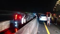 國道3北上48公里處 驚傳1休旅車碰撞2小客車 1男1女受傷