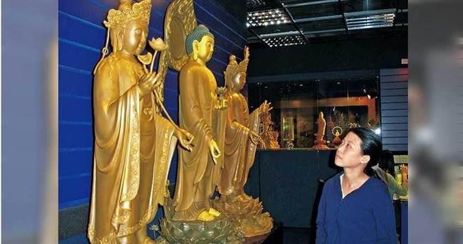 「西方三聖」以阿彌陀佛居中,觀世音菩薩與大勢至菩薩分列兩側,隱含悲智雙修、功德圓滿的教義。(圖/報系資料庫)
