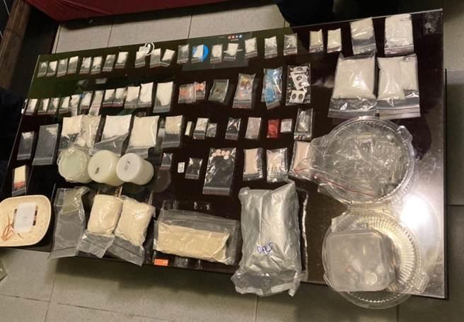 警方破獲毒咖啡包分裝工廠。(王揚傑翻攝)