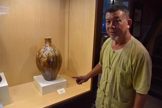 林添福的陶藝遺作許多都可入列國家館藏。(謝明俊攝)