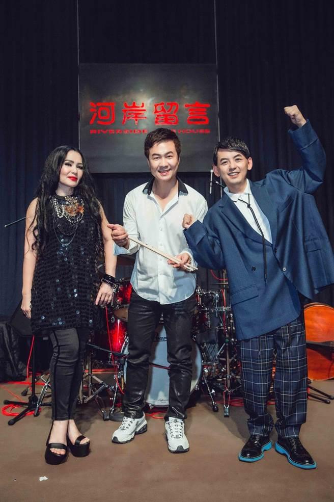 潘越雲(左)和黃子佼皆受邀出席「安平虎鯨ORCA GO」夏日嘉年華。照片提供:安平虎鯨ORCA GO!