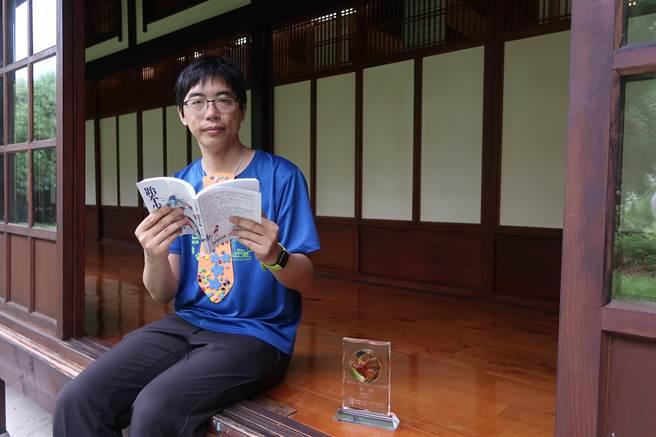 張英珉以《跆拳少女》獲得第28屆九歌現代少兒文學獎首獎。(許文貞攝)