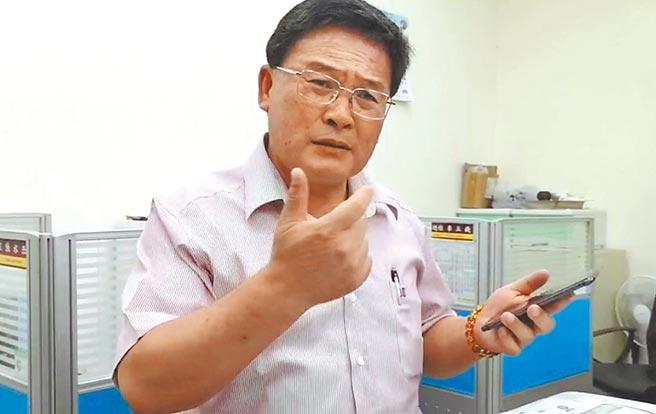 民進黨彰化縣黨部主委、前彰化市長表示,經過多次選舉,再爆9年前網路哈拉,根本是詐欺,政治目的明顯,「就是要拉我下馬」。(吳敏菁攝)