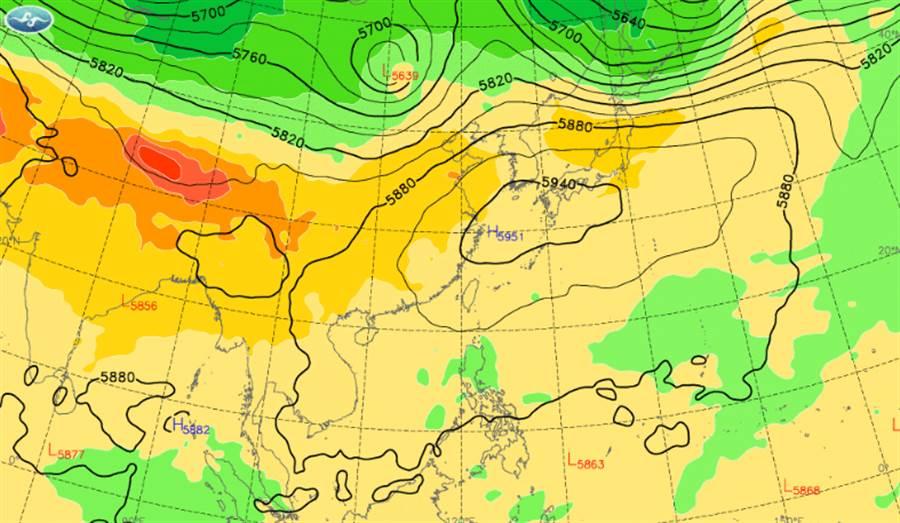 高壓增強,今午後降雨集中在各地山區及南部平地。(中央氣象局提供)