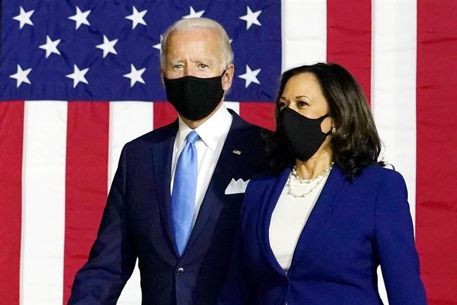 拜登和賀錦麗(Kamala Harris)12日首度合體造勢,賀錦麗猛攻川普執政不力,無能的領導力讓美國「殘破不堪」。(圖/美聯社)