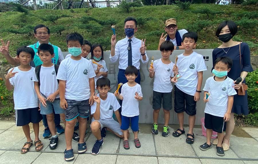 新竹市文化局即日起在新竹水道取水口推出「細水逐流─水資源環境教育展」。(陳育賢攝)