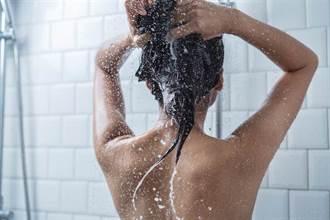 「沒付錢不准用」 婆婆洗澡被關燈 全裸暴衝找媳婦開戰