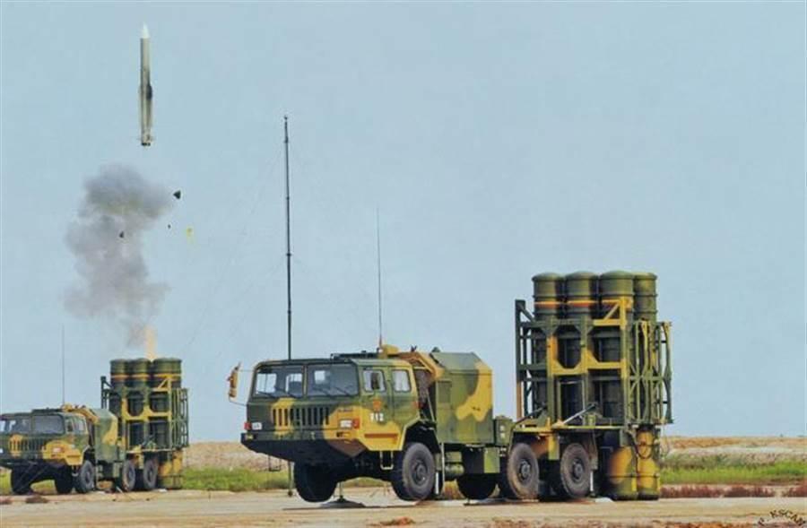 圖為大陸解放軍「紅旗-16A」中程防空導彈,射程為30公里。(圖/資料照,中國網)