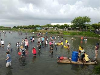 青年返鄉當漁民 雲林「好蝦赤腳季」開放撈魚蝦展現成果