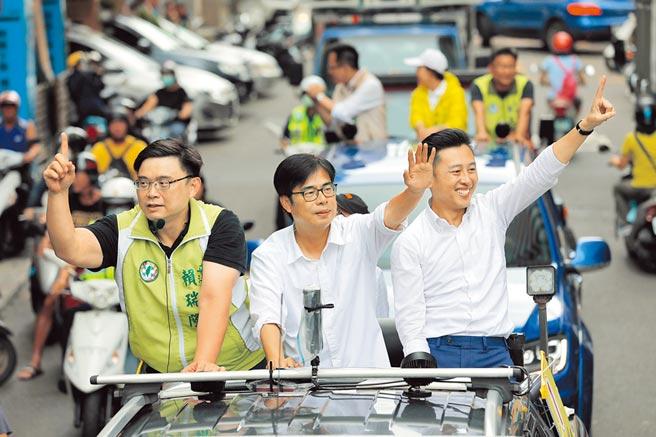 民進黨陳其邁(中)。(林雅惠攝)