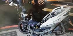 與小黃高速對撞 「藤原豆腐店」騎士斷腿機車全毀