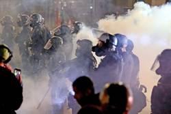 波特蘭騷亂持續 警方依法將抗議者趕出聯邦大樓