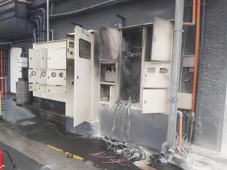 中市餐廳停車場變電箱起火燃爆 消防局急滅火