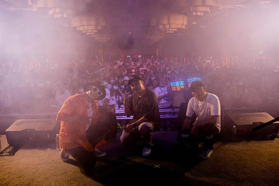 玖壹壹昨在澎湖舉辦售票個唱,現場嗨翻。(混血兒娛樂提供)
