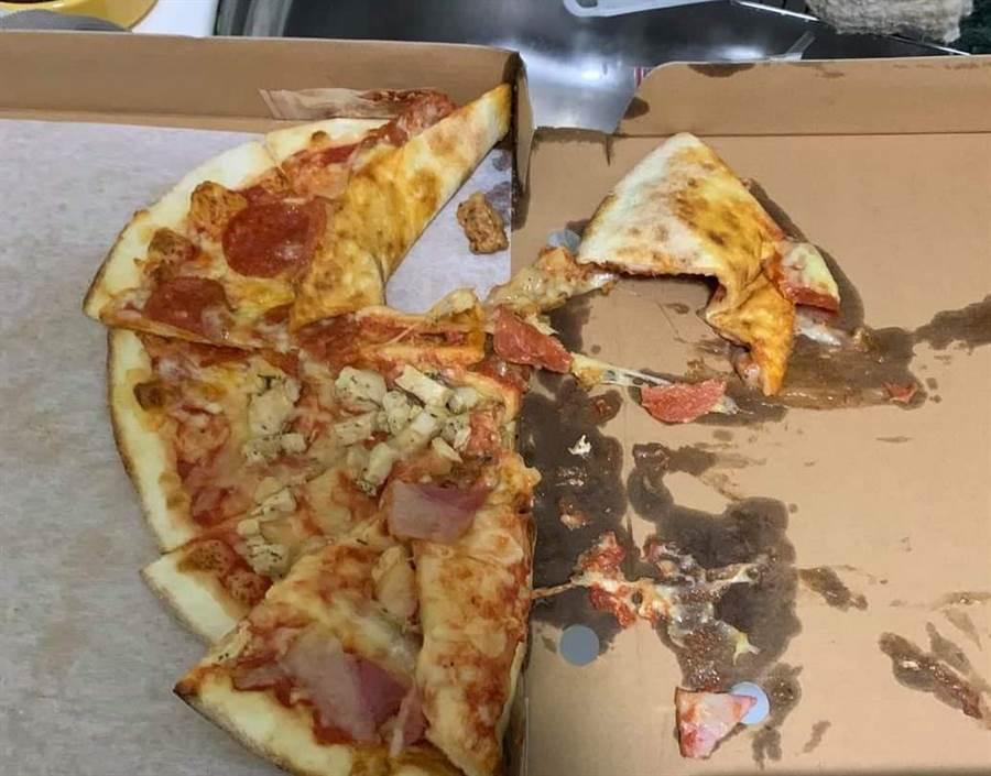 原PO本來要求外送員把披薩送到家門,卻導致外送員暴怒,直接將披薩用摔的放在管理室。(翻自爆料公社)