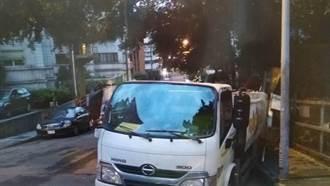 酒醉男偷垃圾車連撞20餘輛汽機車遭起訴