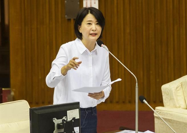 台北市議員王鴻薇批民進黨雙標「天下無敵」。(資料照/鄭任南攝)