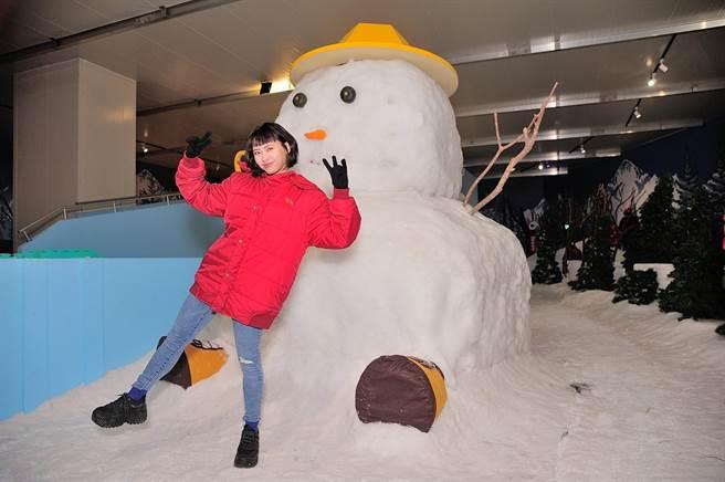 李芷婷今到科教館觀賞雪展。(寬宏藝術提供)