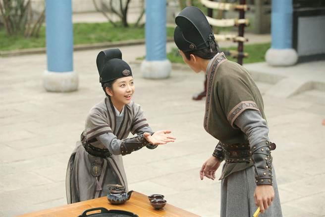譚松韻在《大明錦衣衛》飾演古靈精怪的女捕快今夏。(中天娛樂台提供)