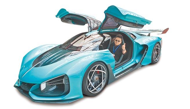 大陸國產汽車品牌「一汽集團」研發的電動能源跑車S9,造價1500萬人民幣,預計在明年底上市。(記者藍孝威攝)
