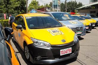 台中小黃公車受歡迎 服務能量5倍提升 盧秀燕:首推隨招隨停