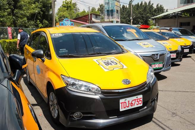 台中市小黃公車新增6條路線,照顧市郊地區基本民行需求。(台中市政府提供/陳世宗台中傳真)