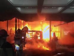 花蓮鐵皮屋大火燒成剩骨架7人逃出 1人仍失聯