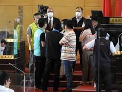 綠營賴佳微自備錄影機錄影引發不滿 台中市議會被迫休息