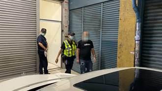 鳳山賭場藏身民宅 警破門賭客想跳樓竄逃逮22人