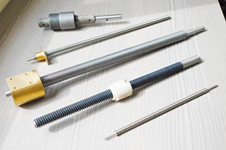 可依客戶需要量身訂作 尚穎特殊螺桿、蝸桿 精度高