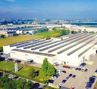 中義母集團IEMCA棒材送料機 國際醫材加工大廠指定採用