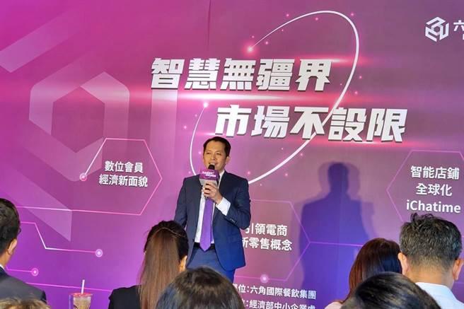 連鎖餐飲集團六角董事長王耀輝。(記者林資傑攝)