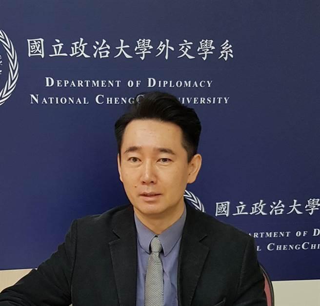 關於是否「首戰即終戰」的爭論,政大外交系黃奎博教授說,「還不如認真思考如何讓首戰不要發生」。