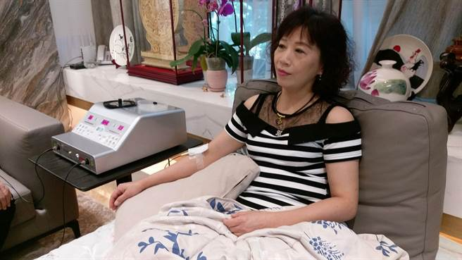 50歲林姓婦人因耳鳴,飽受失眠痛苦向神經內科求診建議採「靜脈雷射」輔助治療。(台中市長安醫院提供/張妍溱台中傳真)