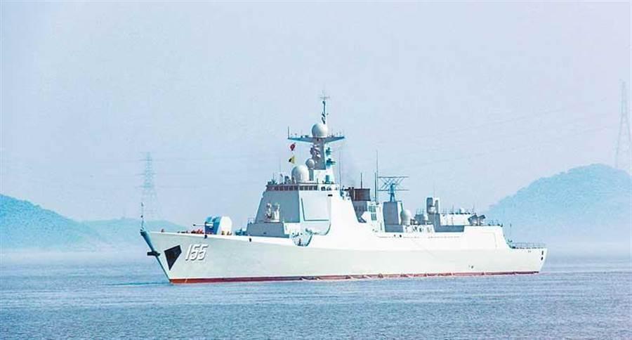 跟蹤美艦「馬斯廷」號穿行台海的052D驅逐艦「南京艦」資料照片。(取自新浪微博@jay海軍亮劍)