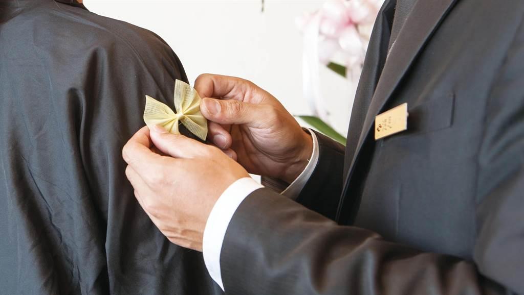 殯葬業4大潛規則全掰掰,德恩禮儀走出不一樣的殯葬文化。(圖/德恩禮儀公司)