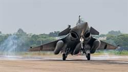 印度飆風悍對陸殲-20  中印邊境緊張對峙空中爭鋒