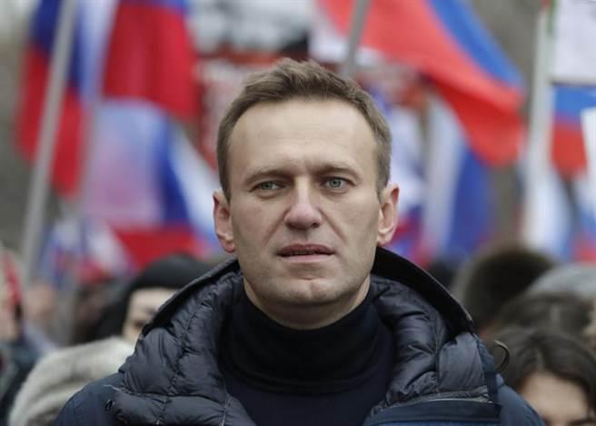 俄羅斯反對派領袖納瓦尼疑似遭人下毒,搭機到一半突感身體不適隨後陷入昏迷,發言人表示他很明顯是被下毒的。(美聯社)
