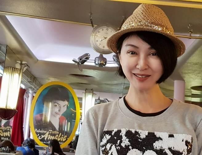 楊林退出演藝圈,現年54歲美貌依舊。(圖/FB@楊林)
