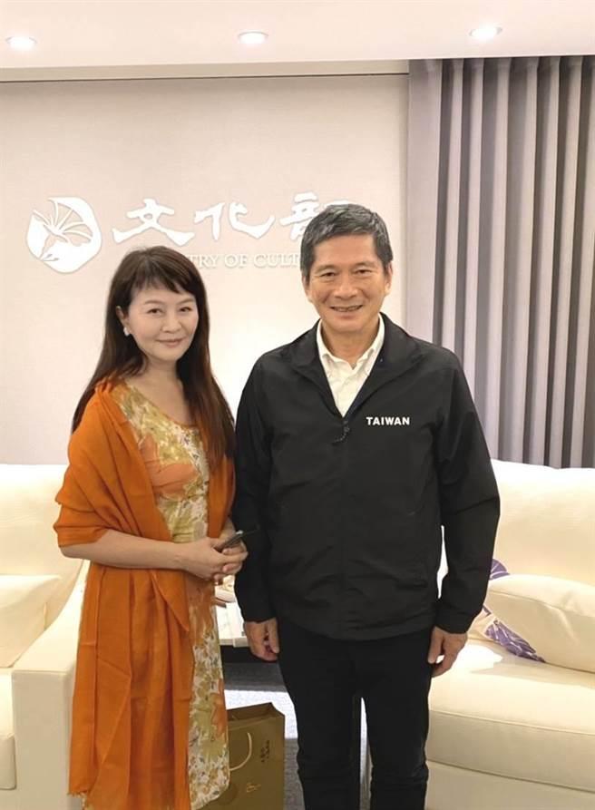 程秀瑛日前拜会文化部长李永得。(尚行之提供)