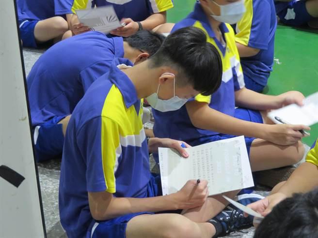 桃園高中18日起一連三天舉辦「新生始業輔導」。(校方提供/蔡依珍桃園傳真