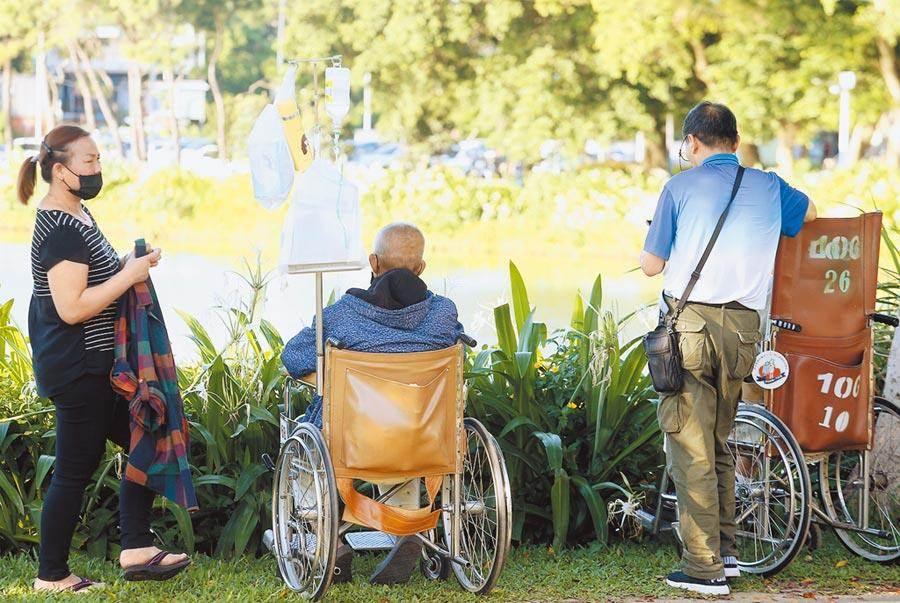 不堪長照榔頭殺老伴 76歲婦被判2年8個月(示意圖與本文無關/中時資料照)