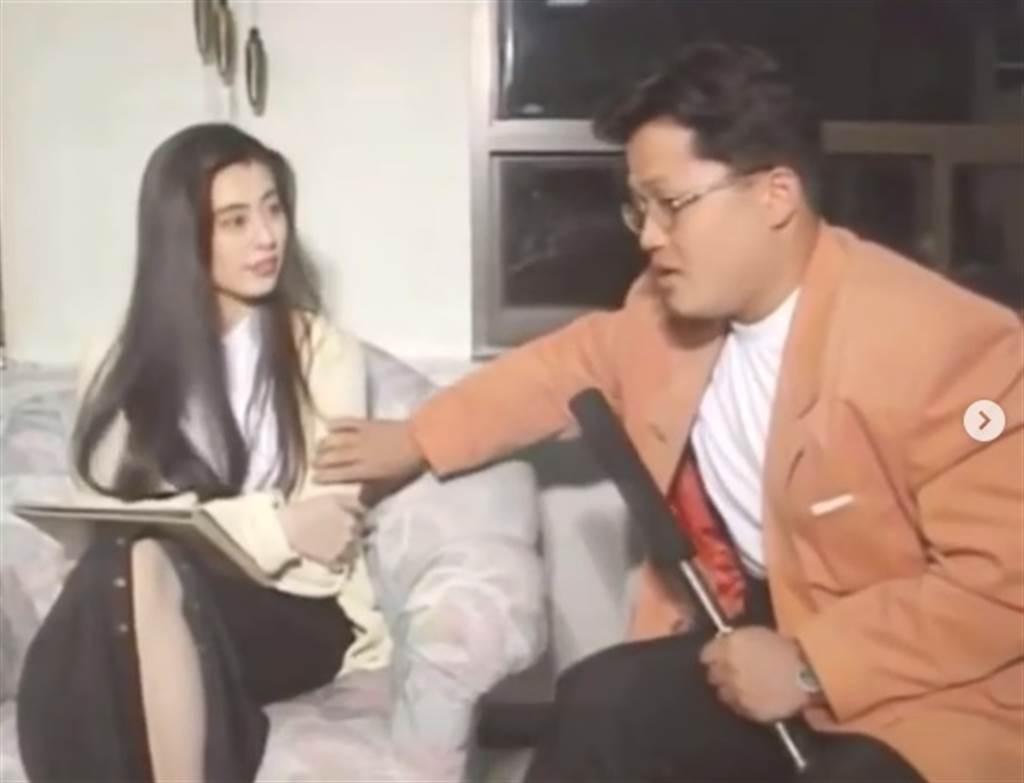 王祖賢當年接受韓國節目專訪,遭男主持開玩笑摸手臂影片突然在近日瘋傳。(取自IG)