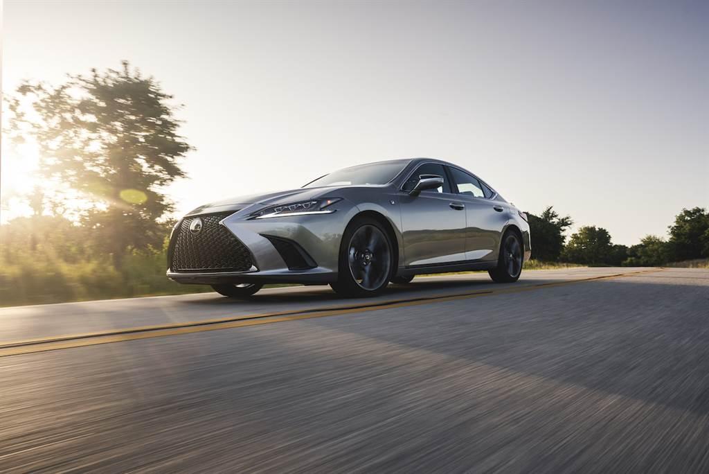 新增 ES250 AWD 規格與限量版 Black Line Edition,2021 年式樣 Lexus ES 北美發售