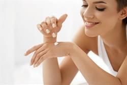 曬後4保養秘訣遠離光老化 打造凍齡手足肌膚