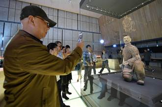 頭條揭密》秦兵馬俑唯一綠臉俑 不准出國卻來過台灣展覽